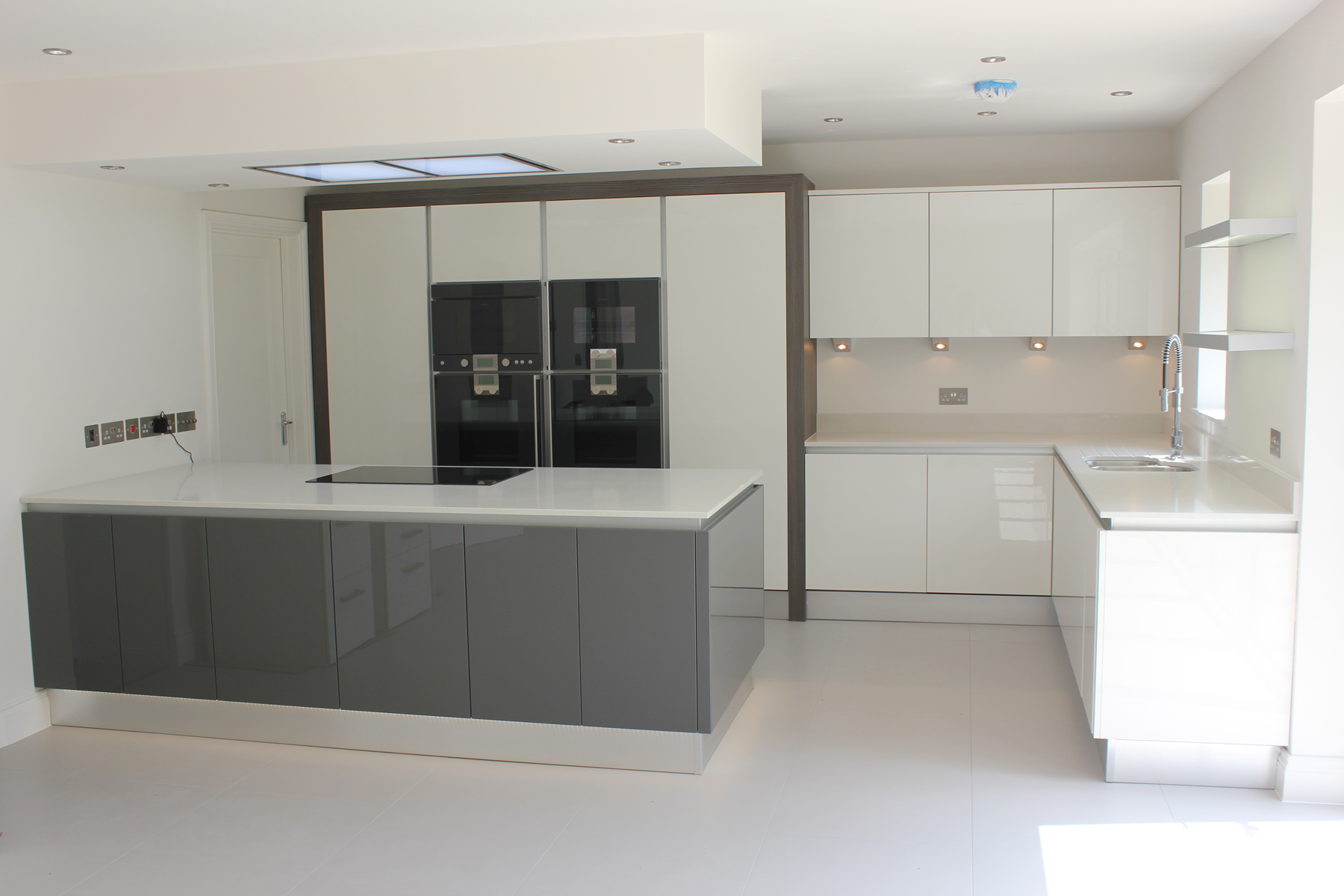 White Anthracite Gloss Kitchen