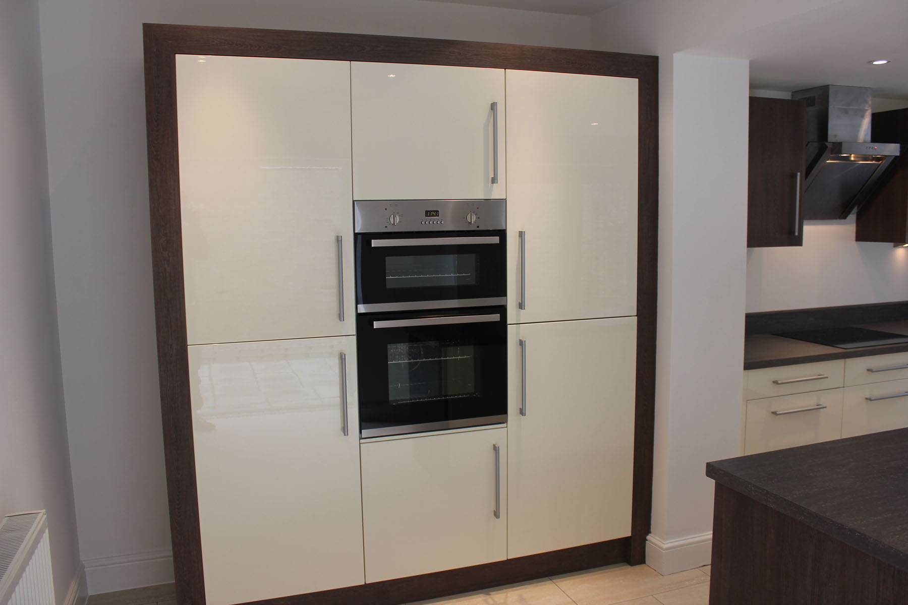 Gloss Ivory kitchen